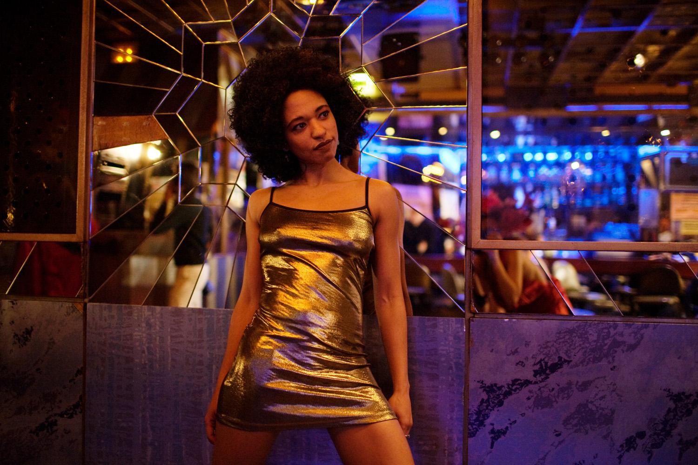 Paula Nascimento numa produção de video no bar-disco Vicking (Cais do Sodré)